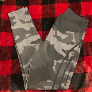 BETTER BODIES Pants - Better bodies camo high tights M